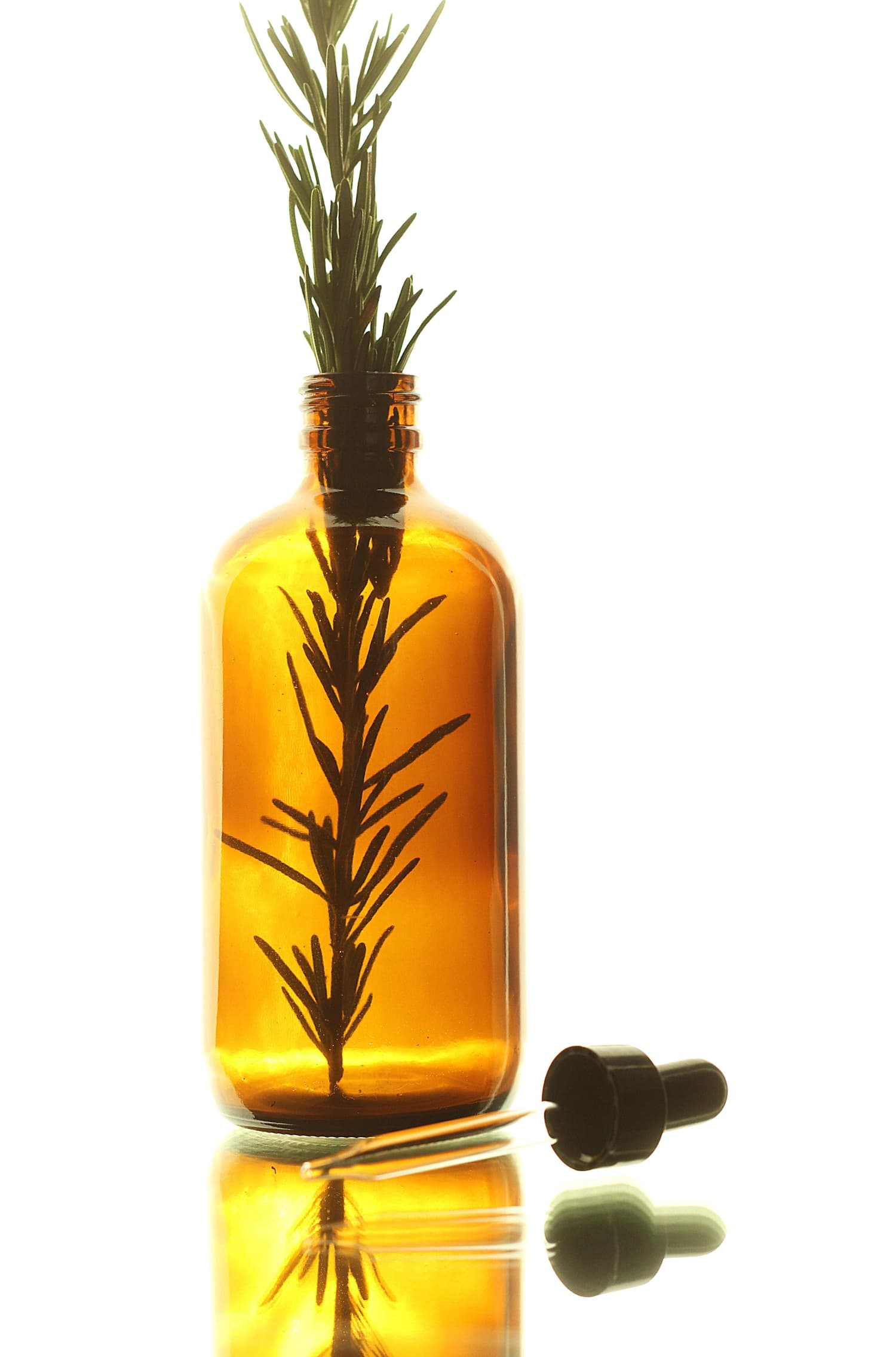 Home Remedy Recipes: How To Use Rosemary Essential Oil