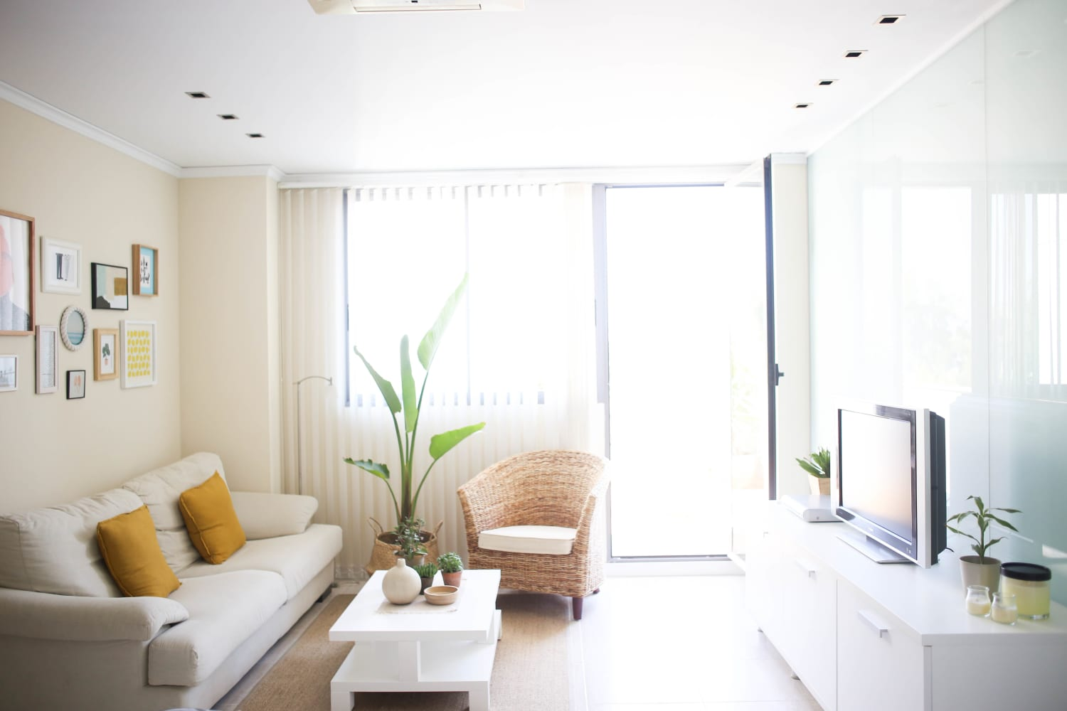 Get the Look: Bright White Modernism in Spain