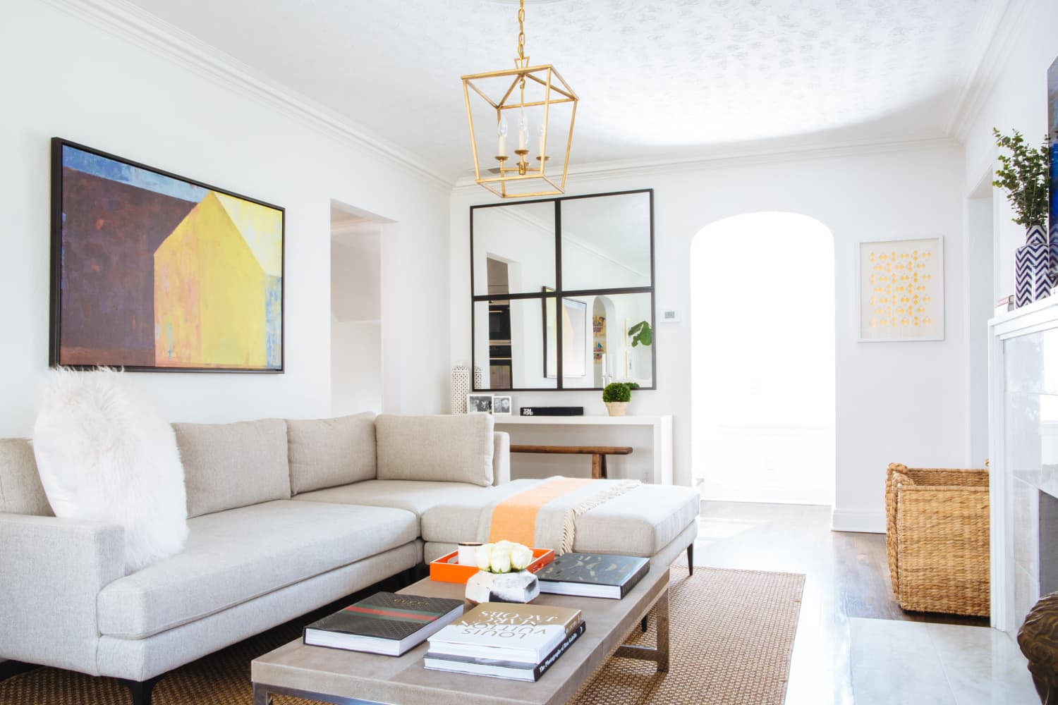 How to Get a High-End Living Room Look on a Real-Life Budget