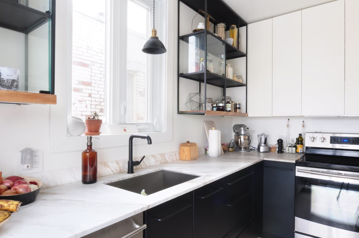 Is Your Kitchen Sink the Key to Happiness? Yes, According to This Fan-Favorite Cleaning Plan