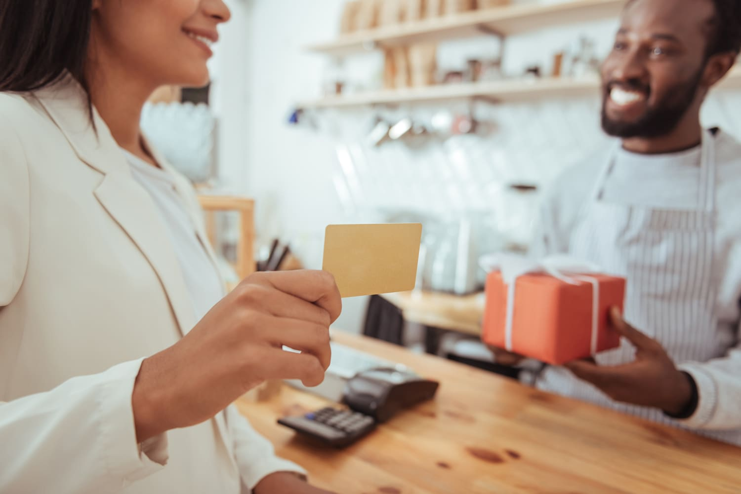 5 Places Where You Can Sell Gift Cards (Online and In Person)