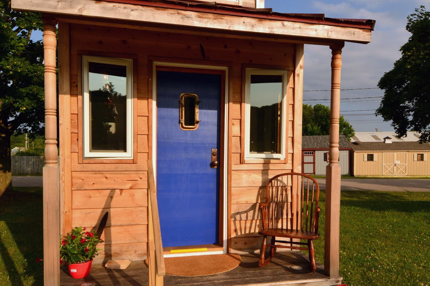 This 150-Square-Foot Tiny House Is a Catskills Country Escape — House Call