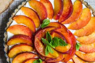 Vegan No-Bake Peach Pie