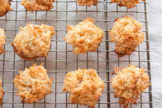 How to Make the Easiest Coconut Macaroons
