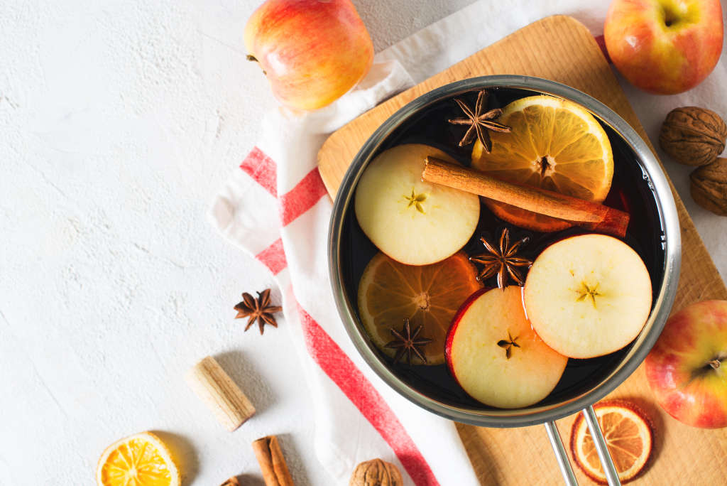7 Simmer Pot Recipes to Make Your Home Smell Like Fall