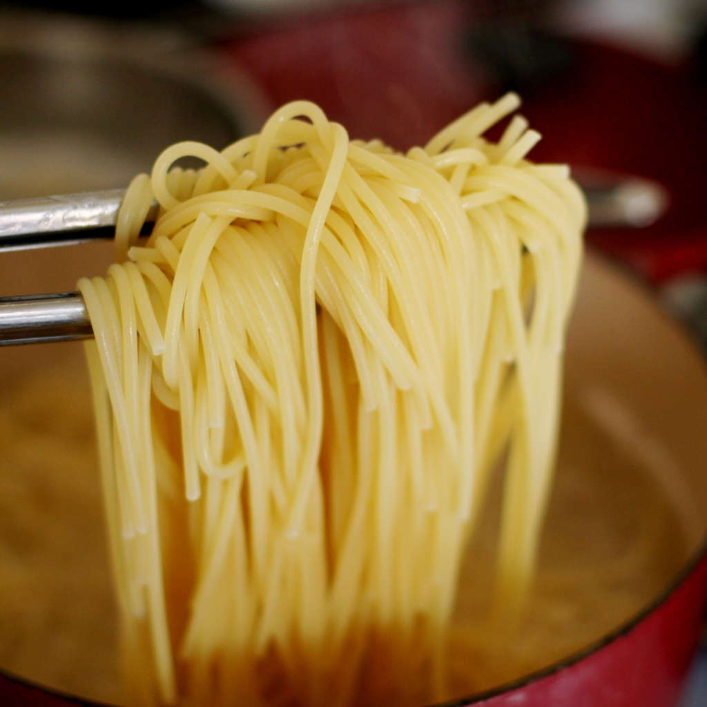 An Ingenious Pro Tip for Plating Pasta (That Works at Home!)
