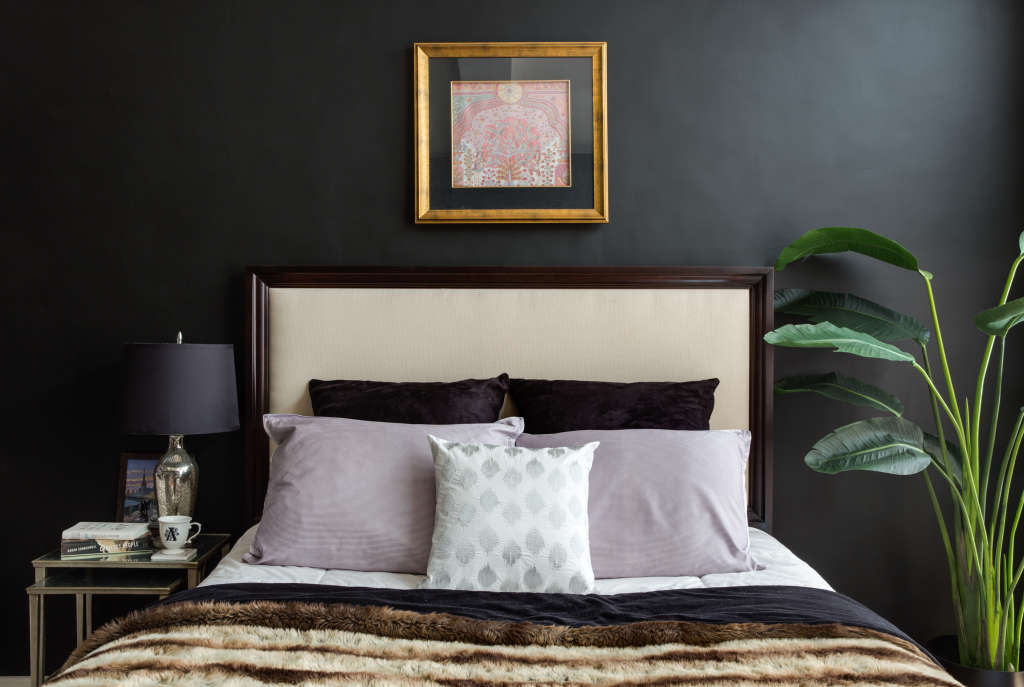design tips for painting dark walls in small rooms. Black Bedroom Furniture Sets. Home Design Ideas