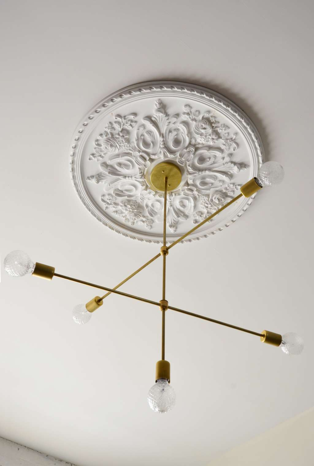 The Best Ceiling Medallions to Dress Up Your Space