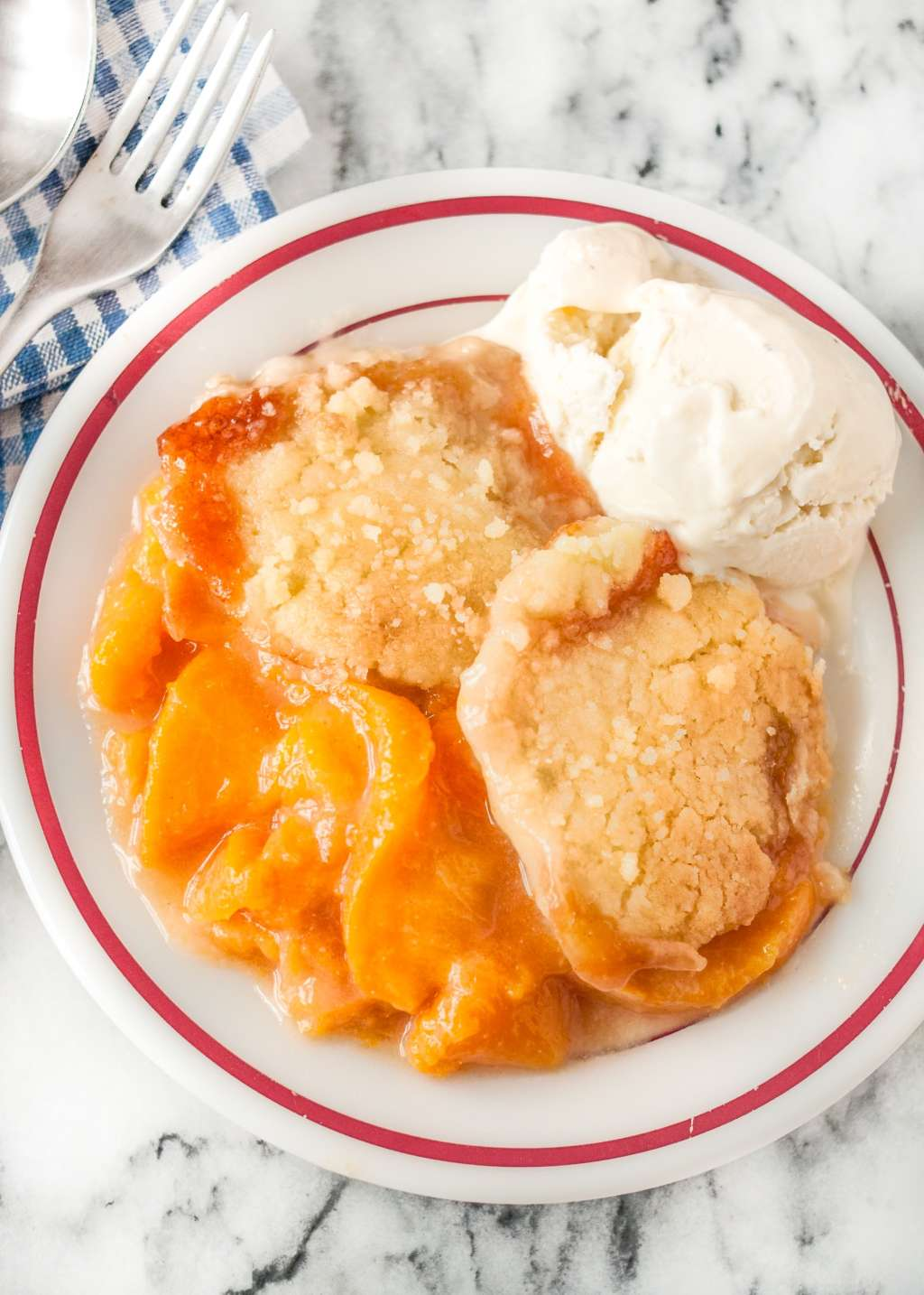 A Southern-Style Peach Cobbler With a 3-Ingredient Topping
