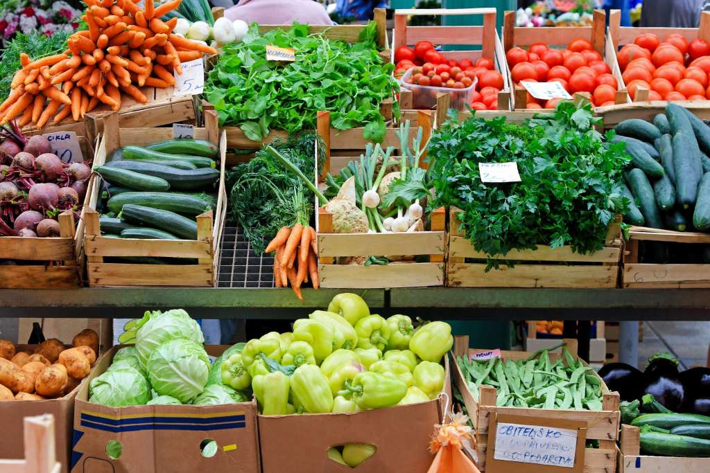 A Field Guide to the Farmers Market