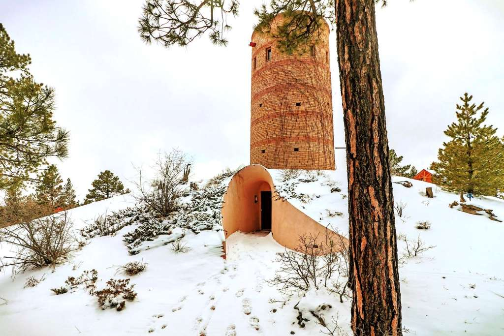 This Earth House in Colorado Is a Wonder Inside & Out