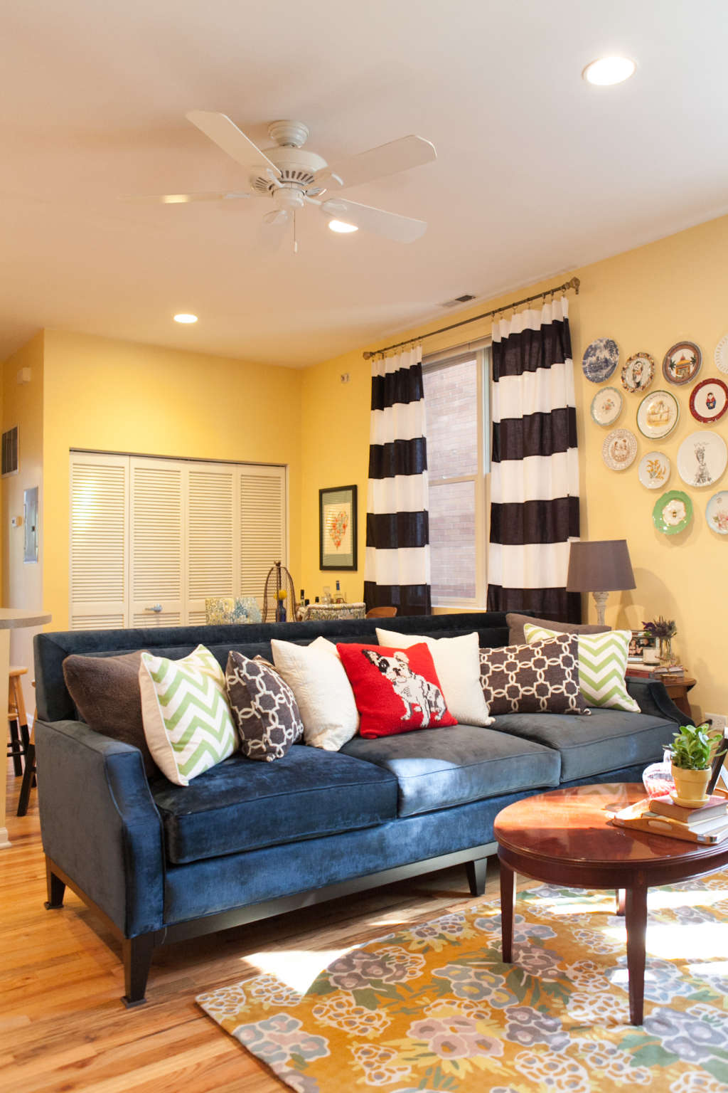 House Tour: A Compact, Colorful Chicago Rental