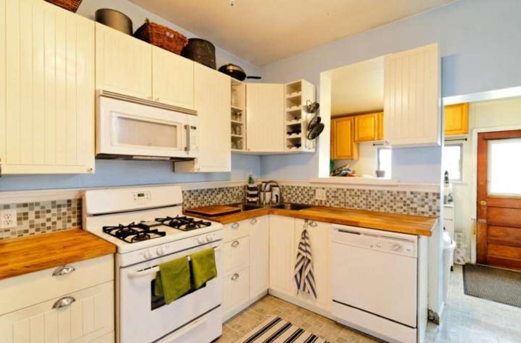 """The """"Decor Refresh That's So Powerful, It Looks Like a Renovation"""" Kitchen Makeover"""