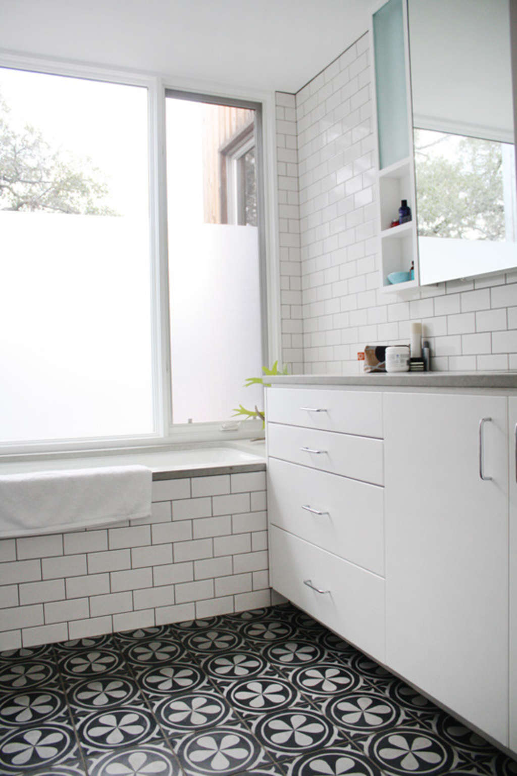 Homekeeping Hints: How To Clean, Fix & Maintain Tile Floors ...