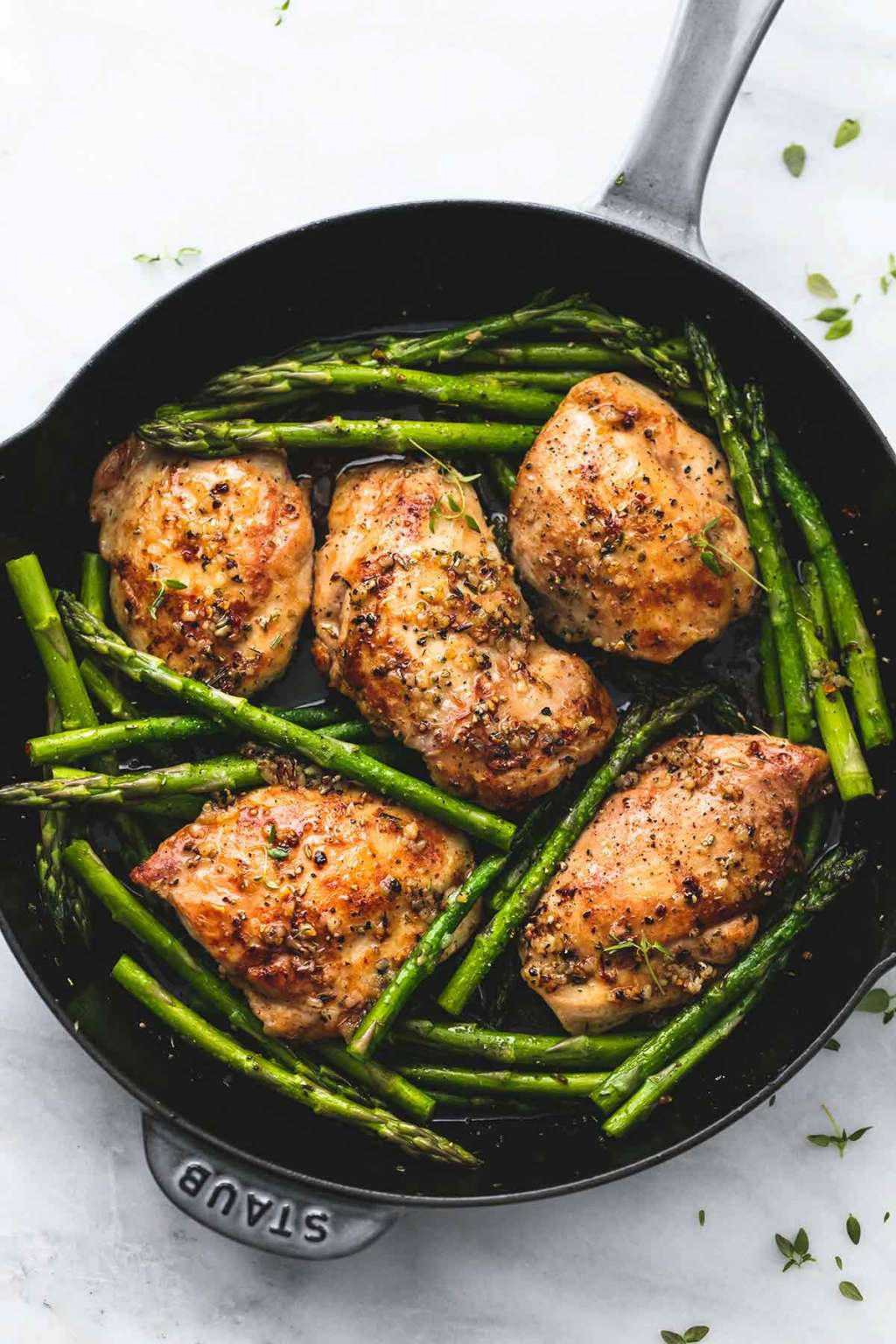 One-Pan Garlic Chicken & Asparagus Is a Dinner Dream