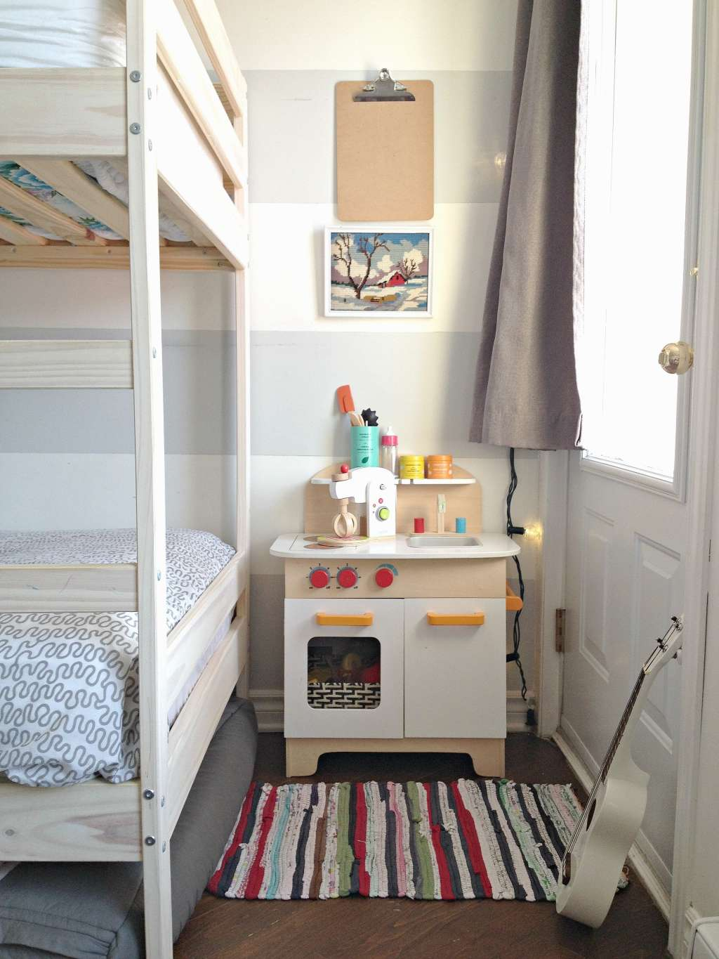 Three kids share one masterfully organized montreal - Raising a child in a one bedroom apartment ...