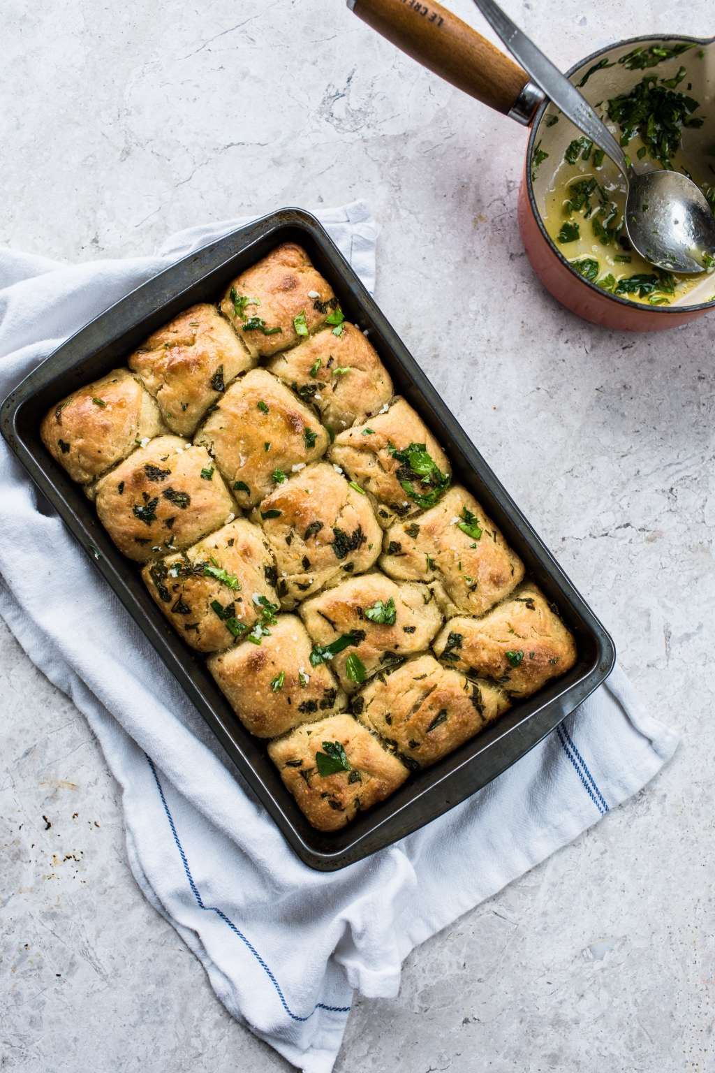 Recipe: No-Knead Garlic Tear & Share Bread