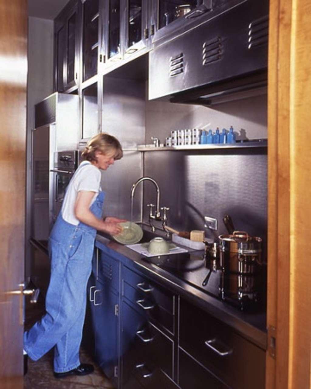 Kitchen Cabinets Nyc: Martha Stewart's Sleek New York City Kitchen