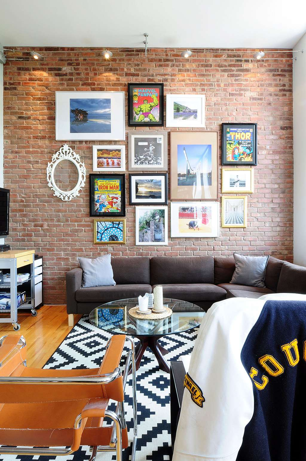 House Tour Patterned Industrial Style In Montreal