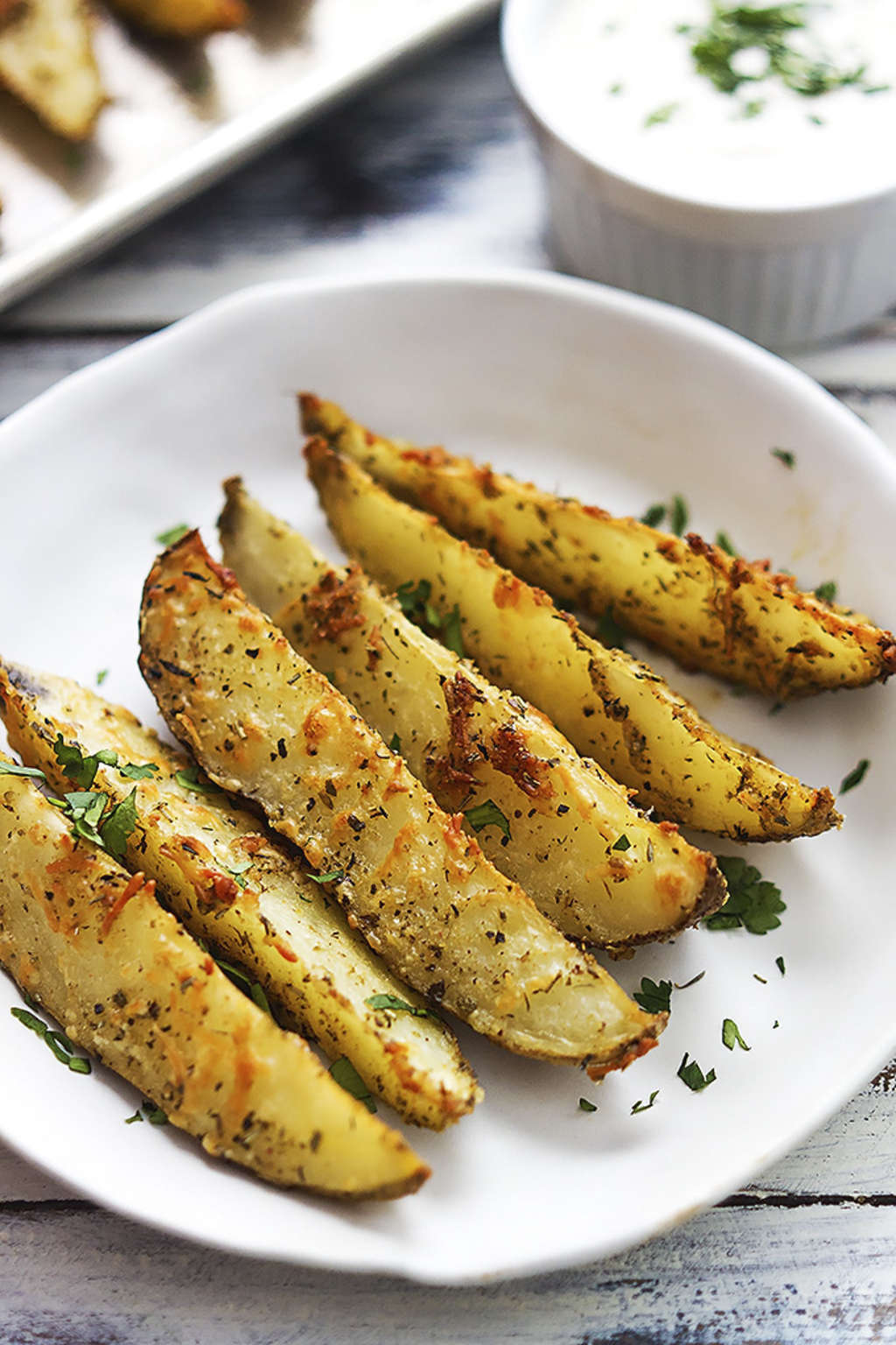 You Need These Garlic Parmesan Potato Wedges in Your Life