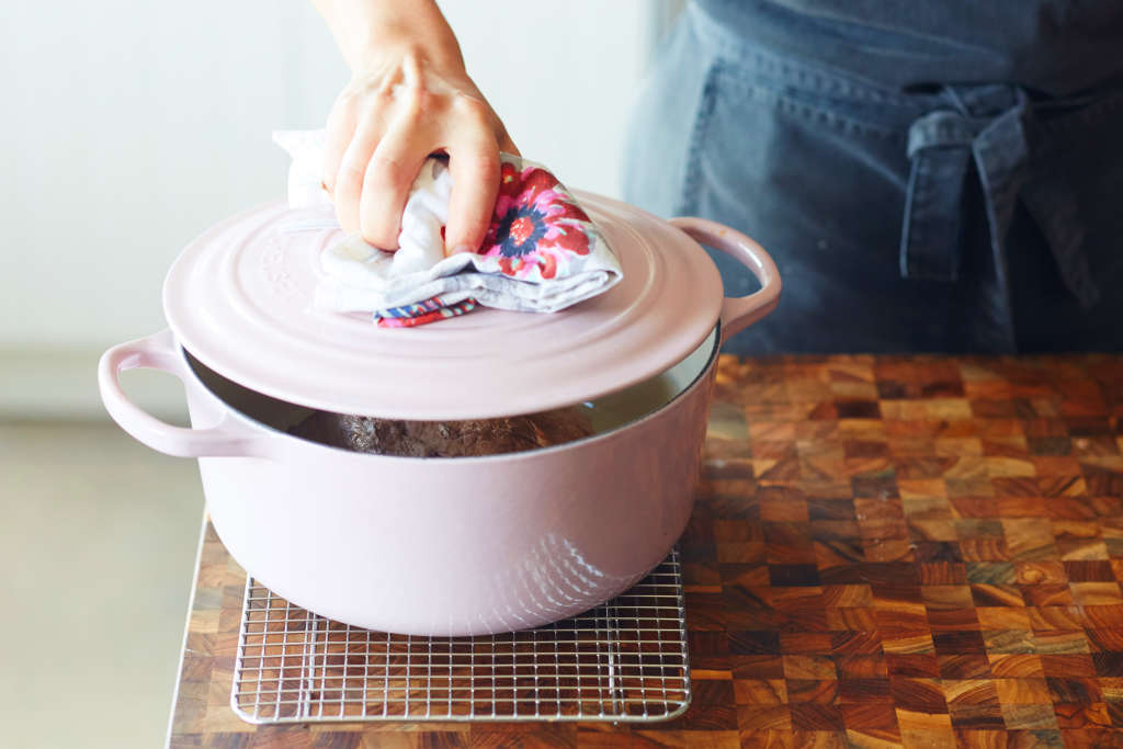 10 Things to Give Any Who's Obsessed with Their Dutch Oven