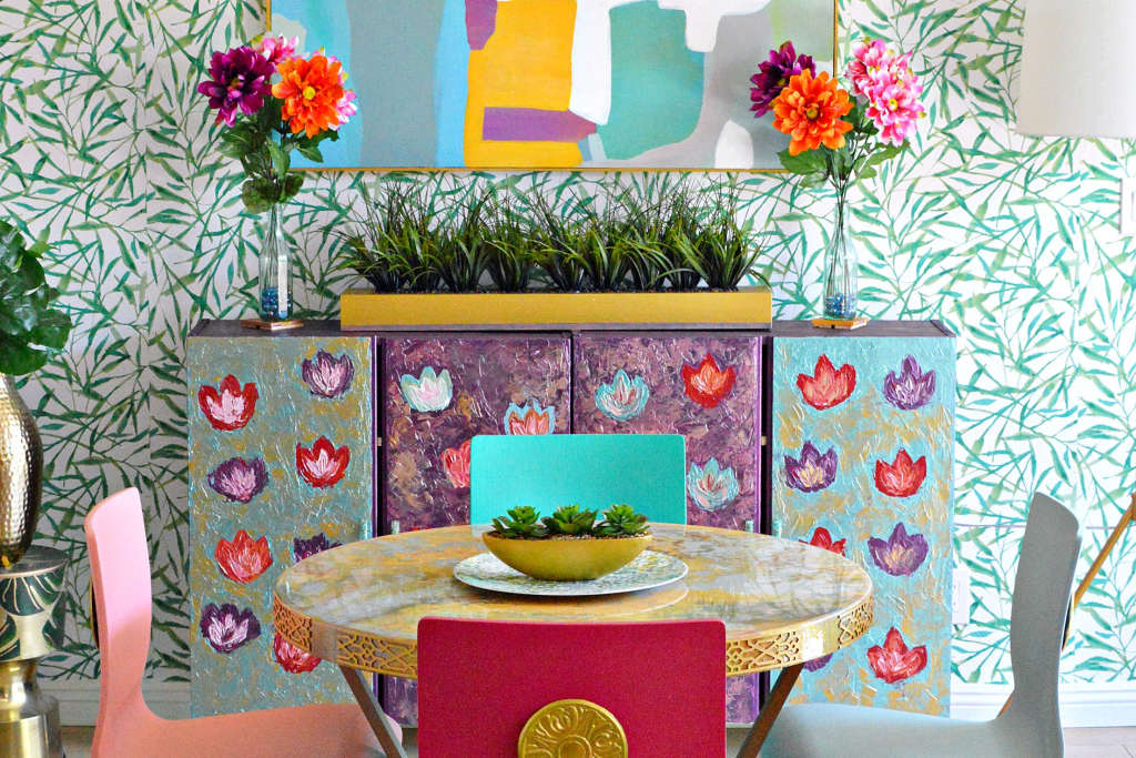 This Incredibly Colorful DIY Dining Room Is in a Rental