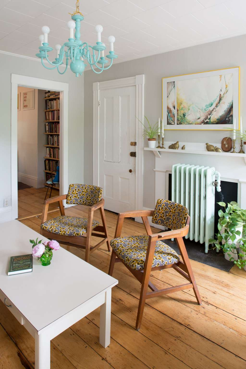 Superieur 3 New Ways To Sell Furniture (for People Who Are Skeeved Out By Craigslist)    Apartment Therapy
