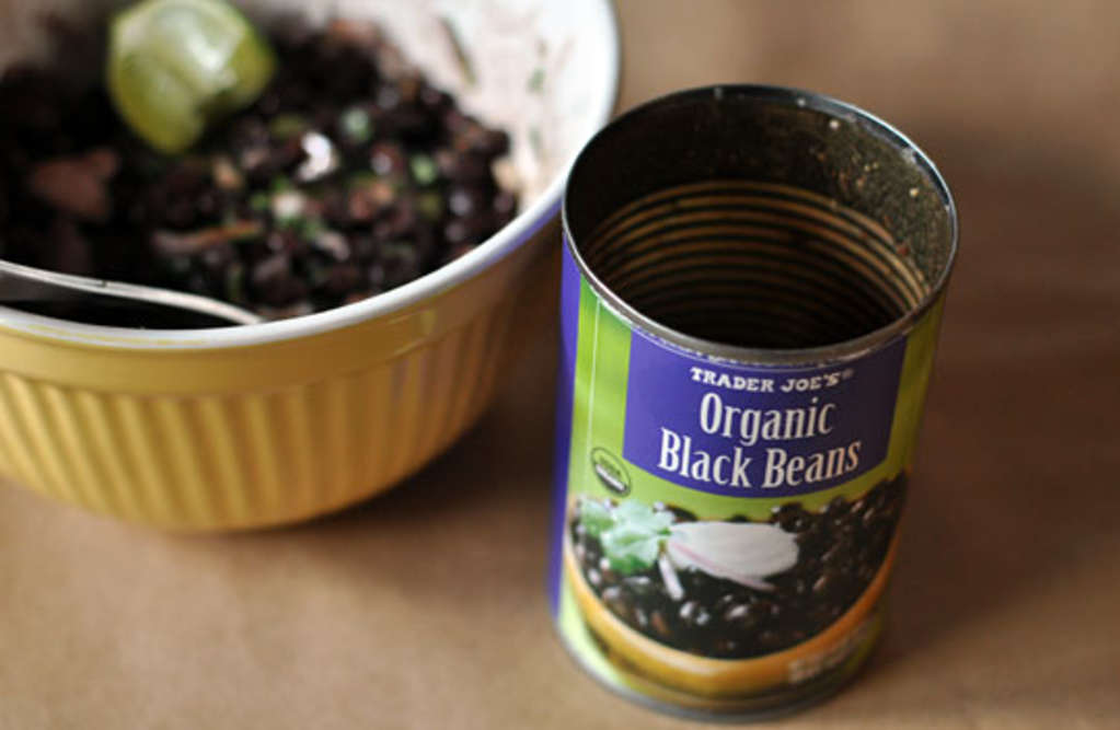 The Can O' Beans Lunch: Avocado-Lime Black Beans