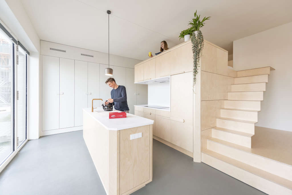 Clever Use of Levels Makes this Little Apartment Live Large