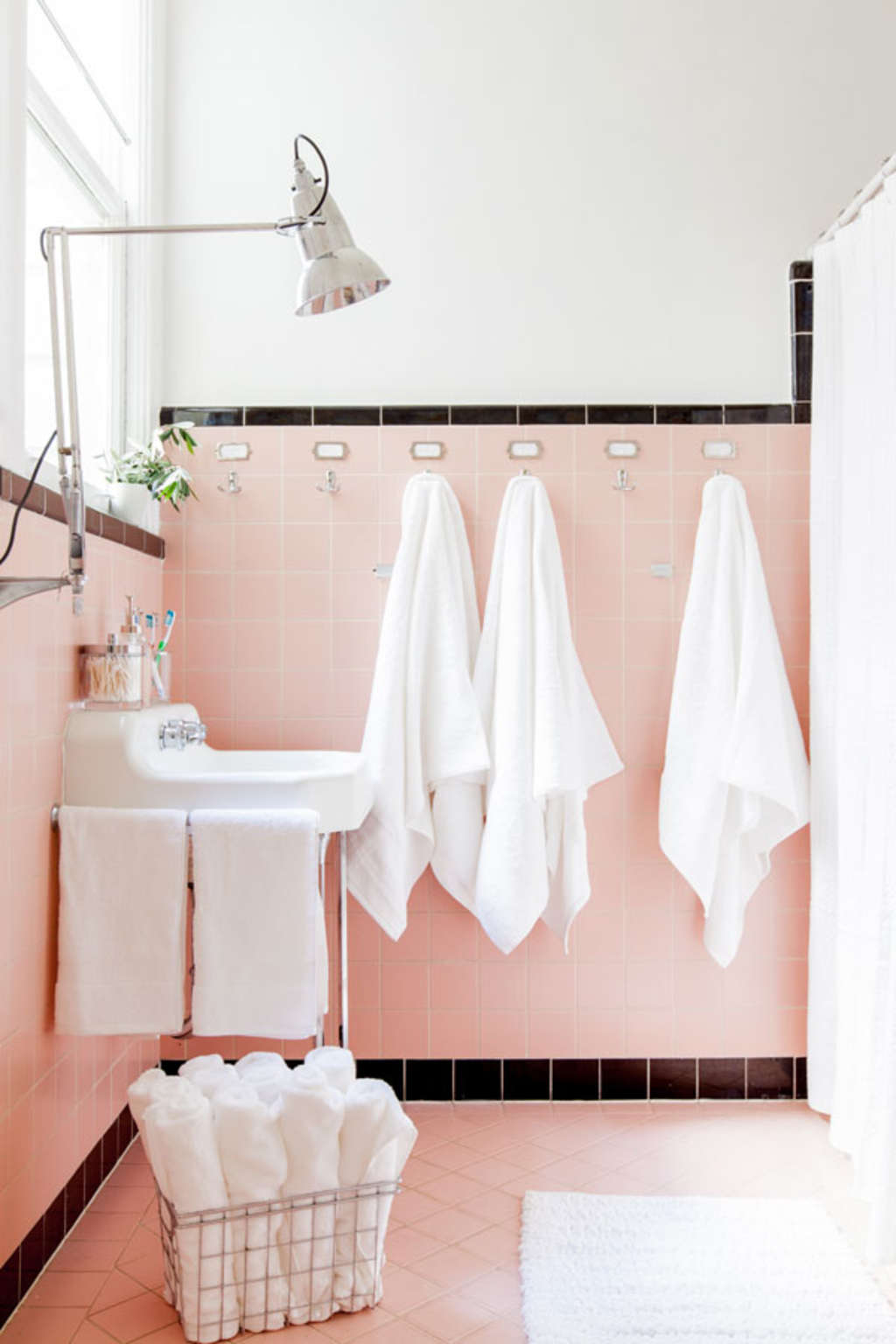 7 Ideas to Make a Dated, Tiled Bathroom Look New and Fresh
