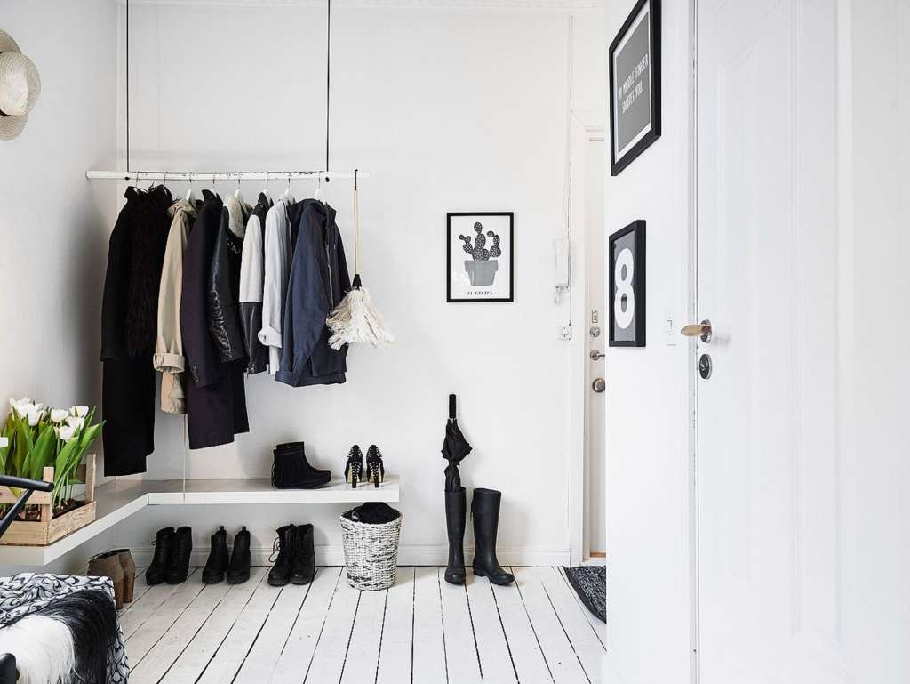Organizing Ideas for Entryways & Foyers Without Closets