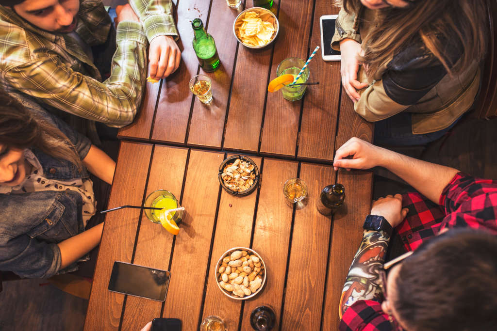 5 Surefire Strategies to Curb Your Night-Out Spending