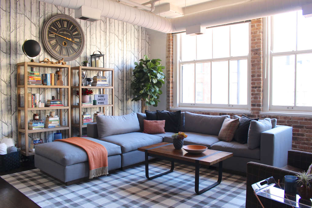 Tour a Handsomely Designed, Warm Industrial Chicago Loft
