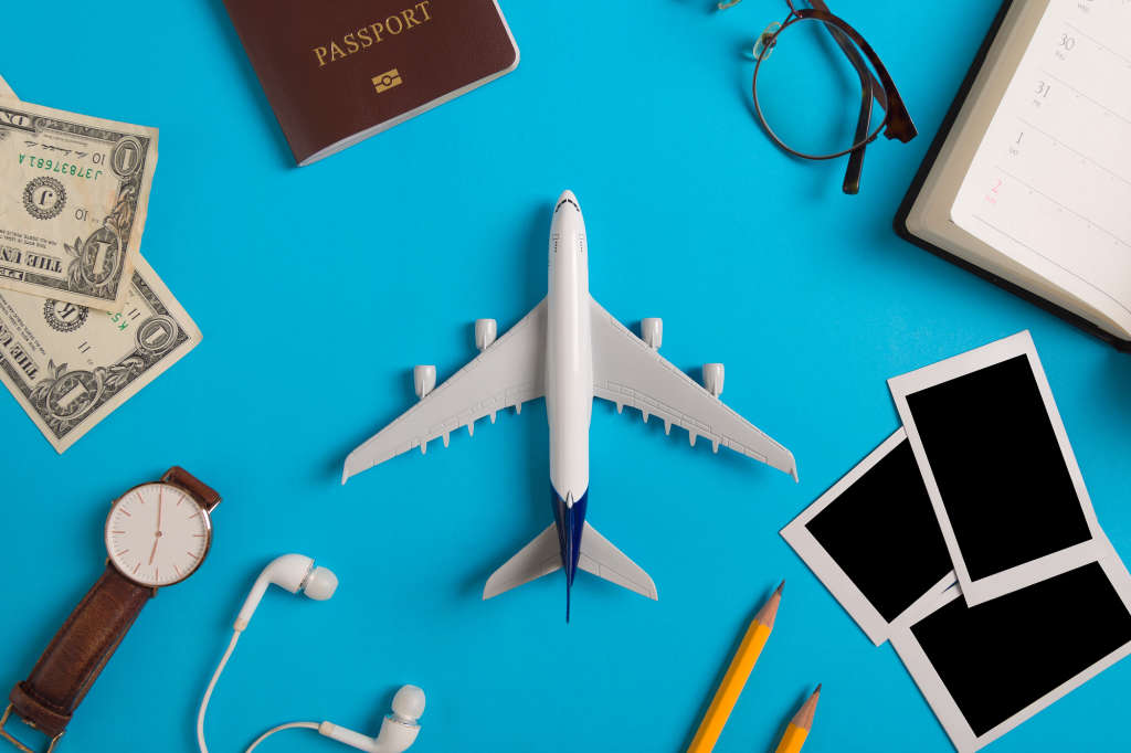 8 Great Resources for Finding Cheaper Holiday Season Flights