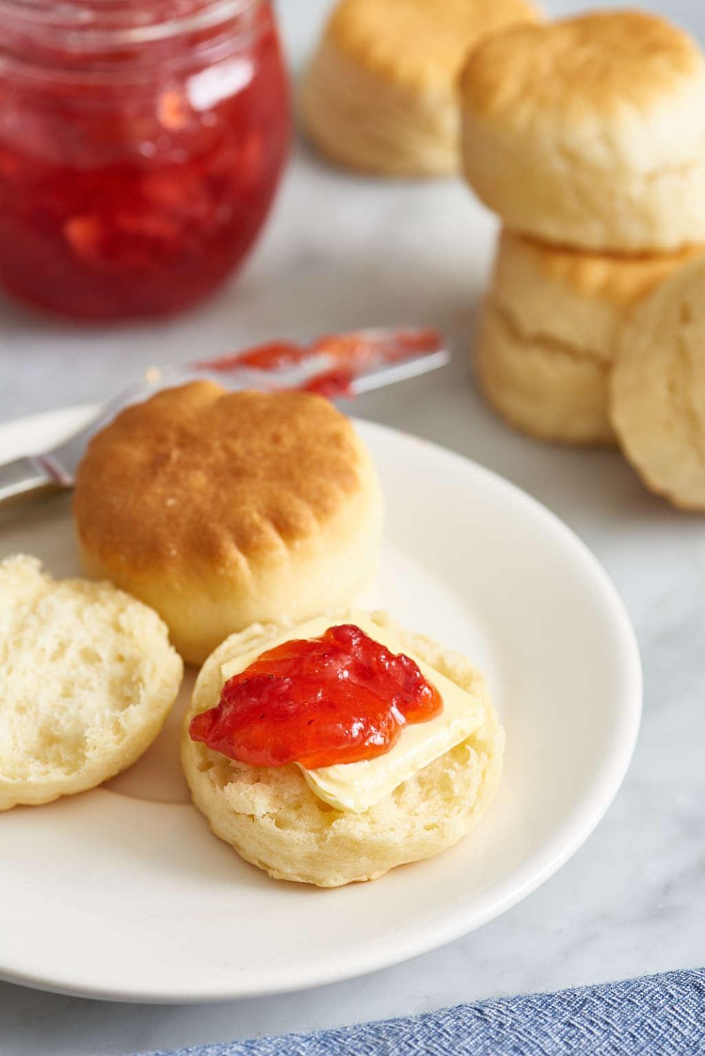 This Easy 4-Ingredient Strawberry Jam Requires Zero Cooking