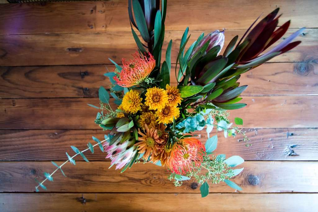 Be A 10-Minute Pro: The Best Flower Arranging Tricks We Know
