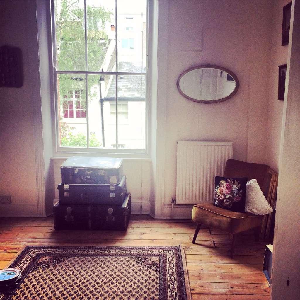 "Shaniqua's ""Warm Vintage"" Room"