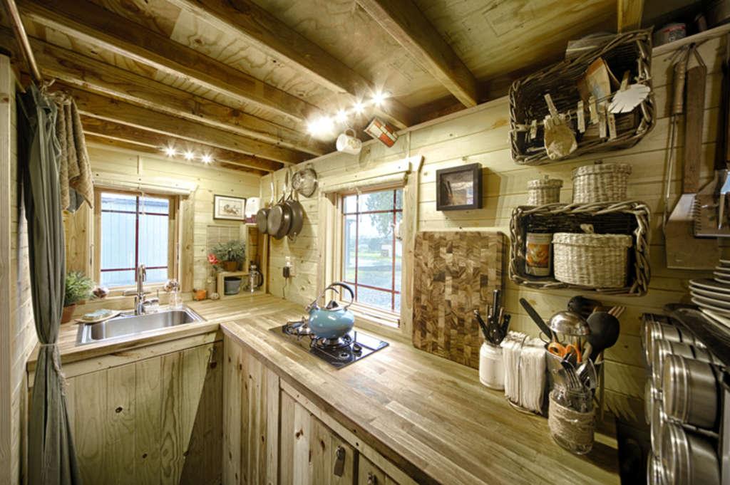 Malissa's Hand-Built Home