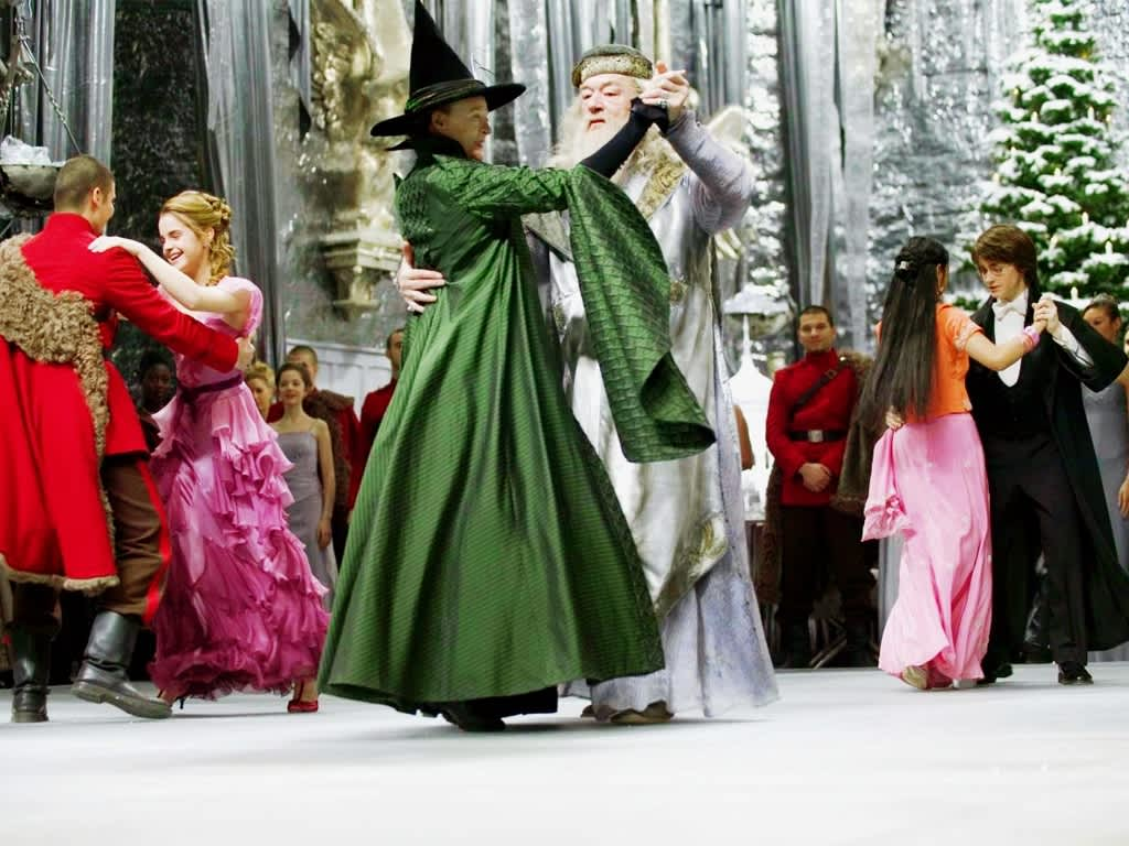 Barnes & Noble is Hosting a Harry Potter Yule Ball