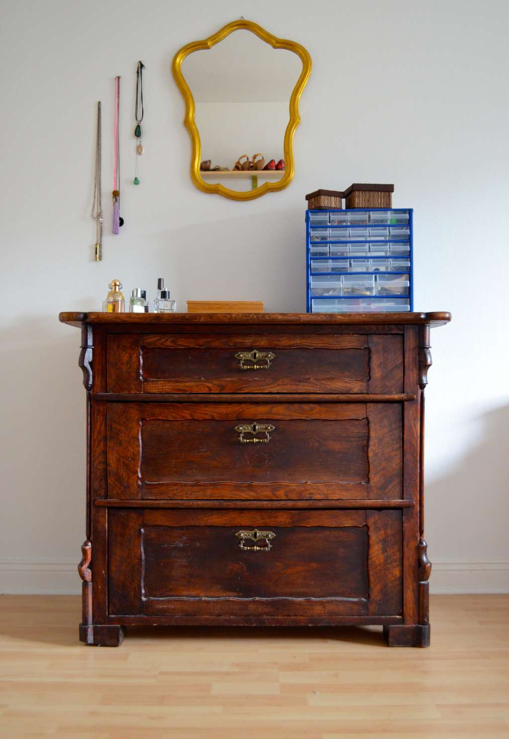 3 Ways to Give New Life to Old Furniture