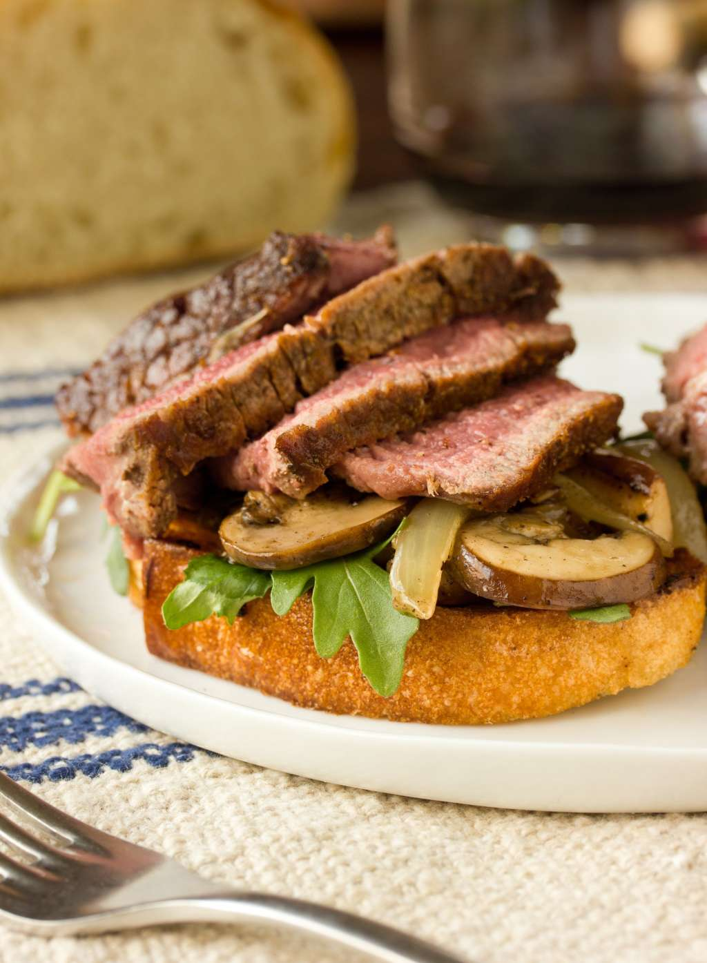 """Dinner Recipe: """"Theater Steak"""" with Mushrooms, Onions & Grilled Bread"""