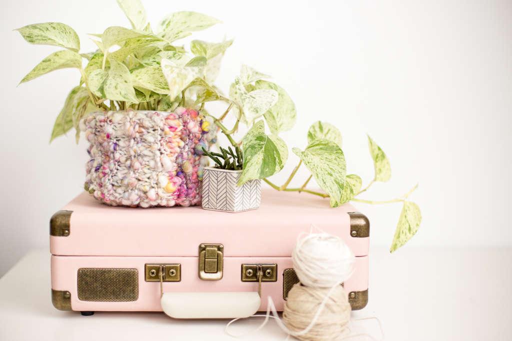 Knitting Pattern: Boho Storage Basket with Chunky Yarn