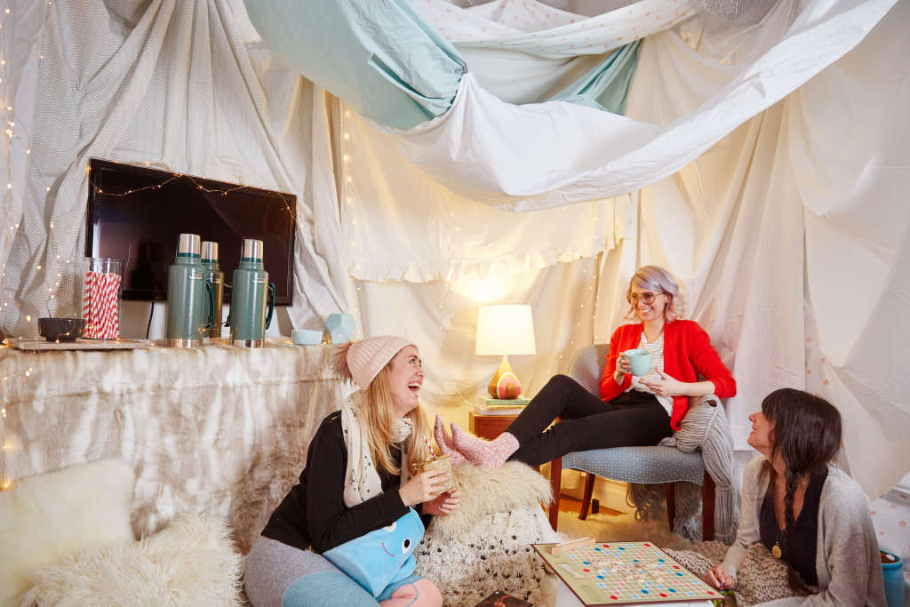 5 reasons you should build a fort in your living room kitchn for How to make a fort in the living room