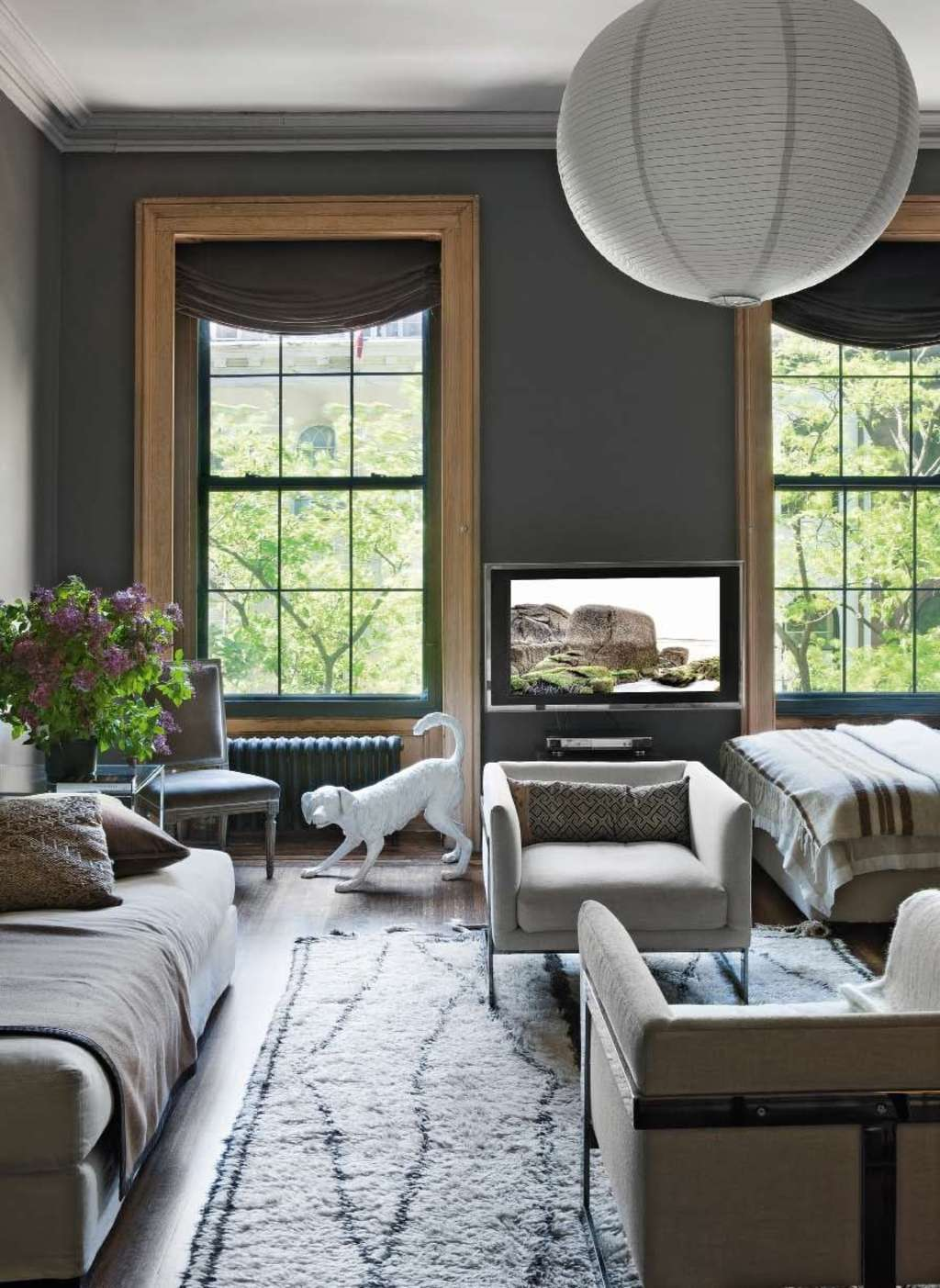 What Makes It Work: A Seriously Stylish Studio Apartment