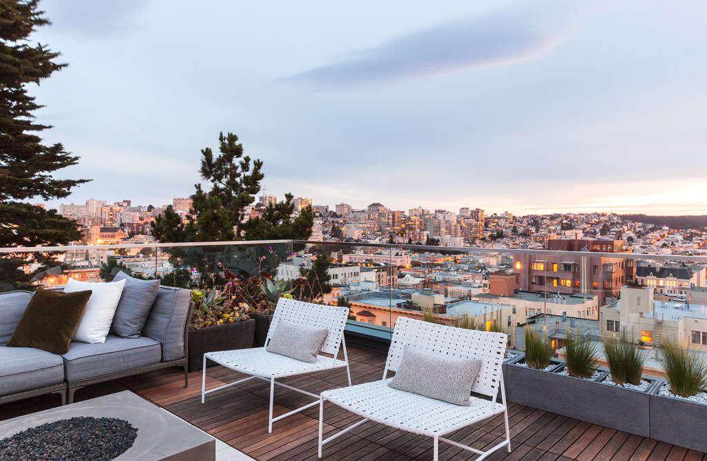 A San Francisco Bachelor Pad with Breathtaking Views
