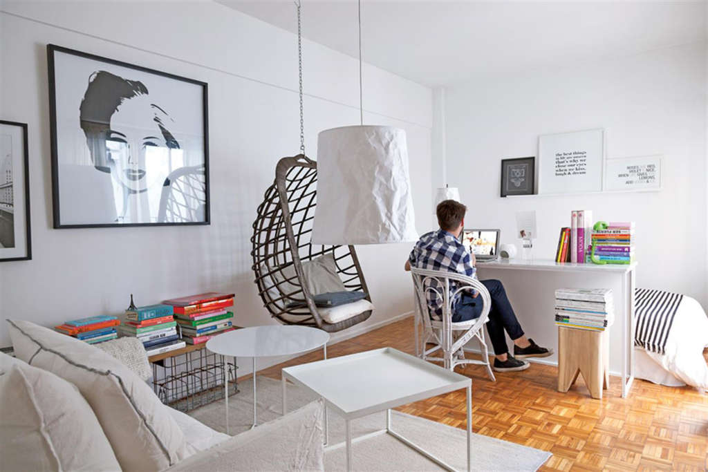 A Studio Renter Masters One-Room Living With a Great Layout