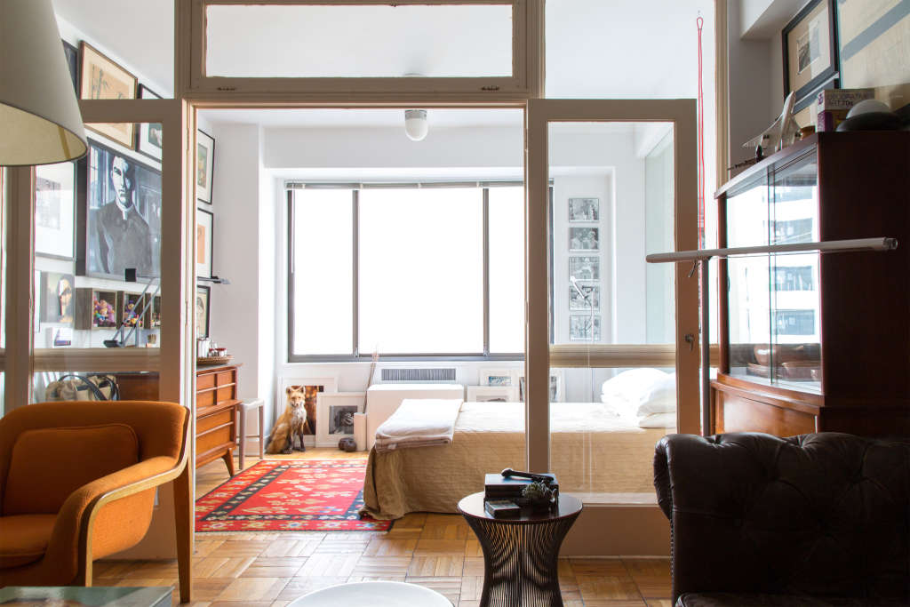 One Trick to Let More Natural Light into Your Dark Apartment