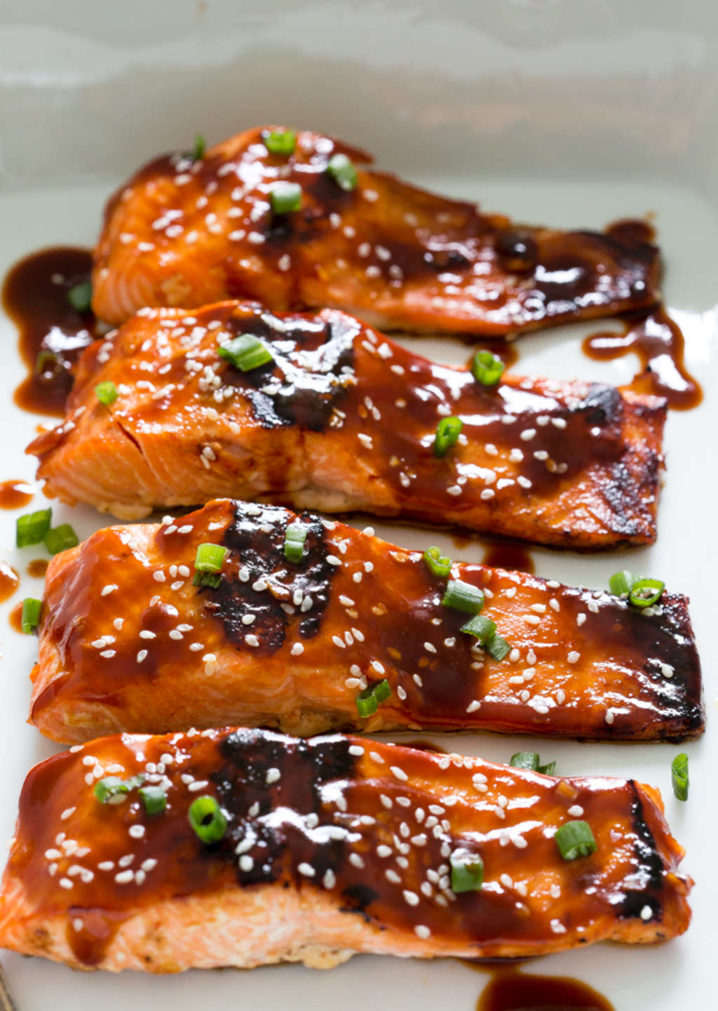 This Honey-Sriracha Salmon Is What Dreams Are Made Of
