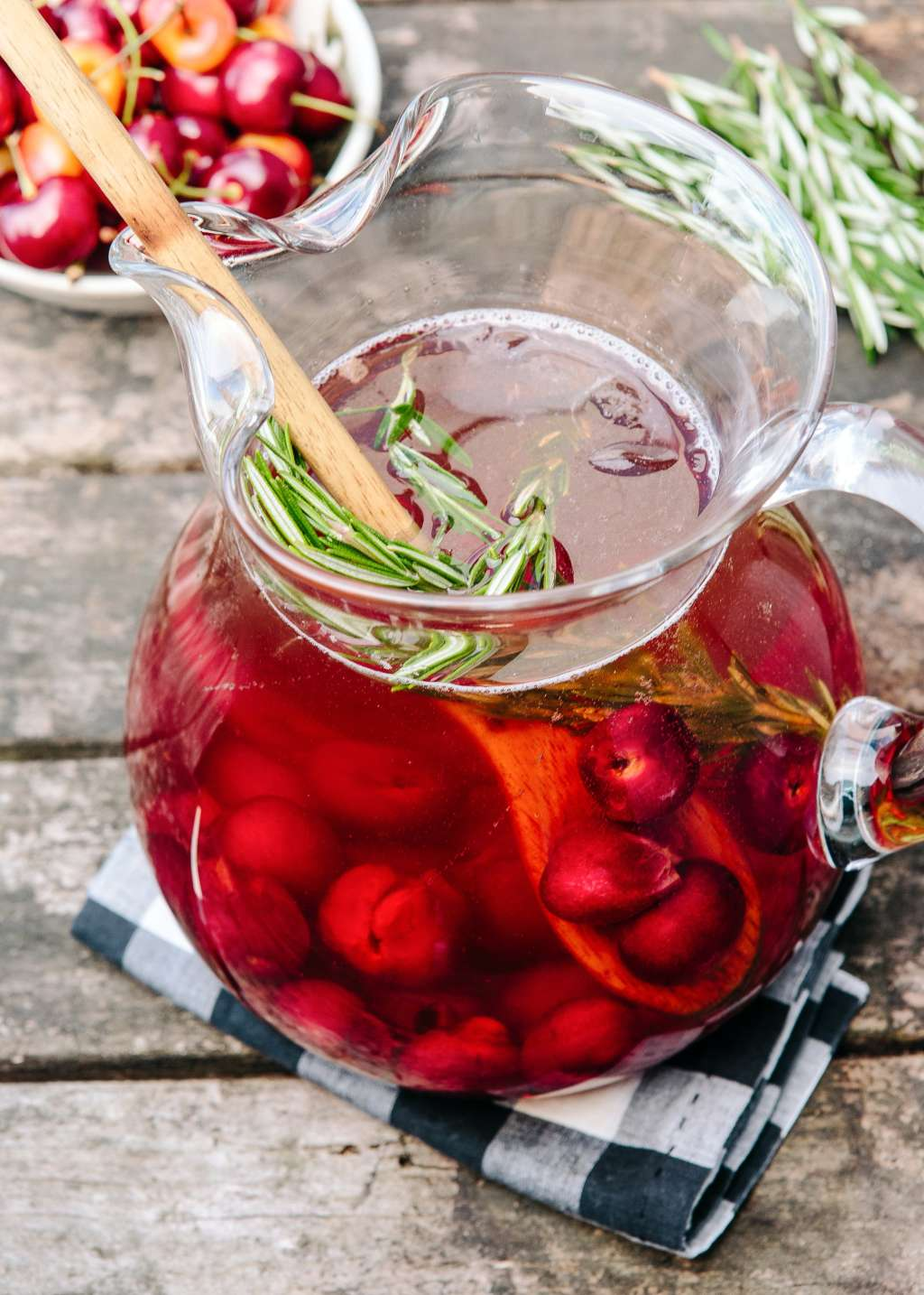 Cocktail Recipe: Sparkling Cherry Rosé Sangria