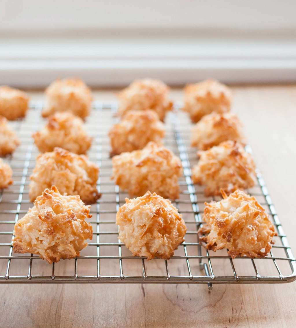 How To Make the Chewiest, Tastiest Coconut Macaroons